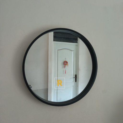 Cermin Hias Kayu